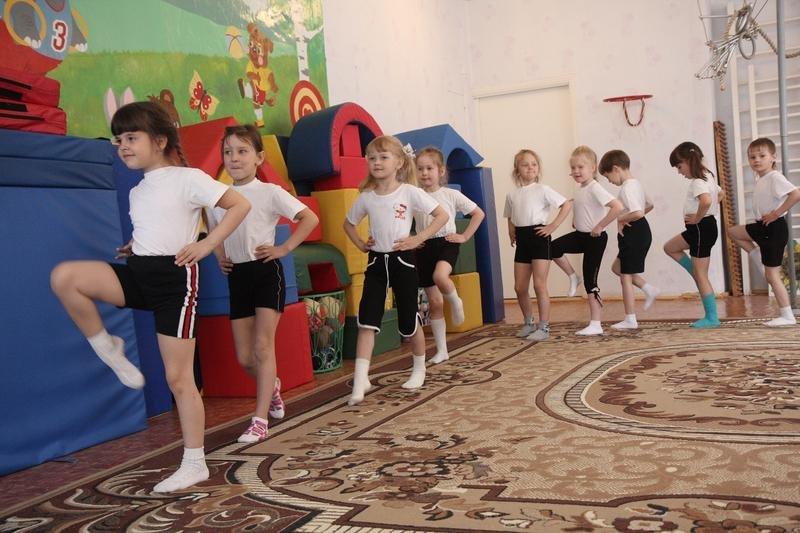 картотека утренней гимнастики в подготовительной группе по фгос на год