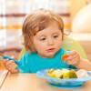 Ребенок не ест овощи и фрукты, что делать?