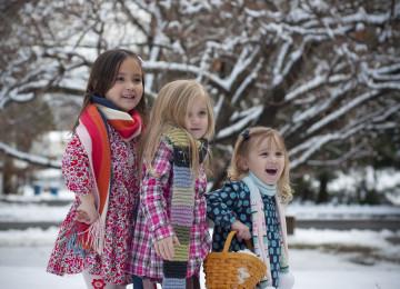 Младшие дети: особенности характера и влияние на них старших детей