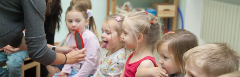 Логопедические распевки, упражнения, песенки для детей 2-3 лет.