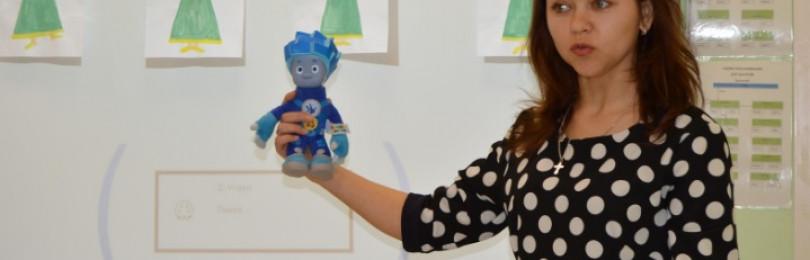 Урок рисования на тему «Девочка пляшет» для средней группы