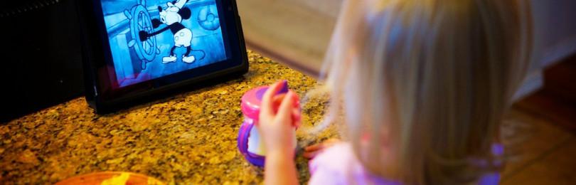 Ребенок ест только перед телевизором, что делать?
