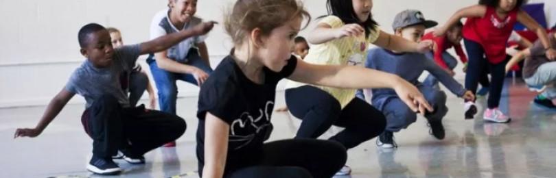 Уличные танцы для девочек и мальчиков для флэшмоба или на выпуск