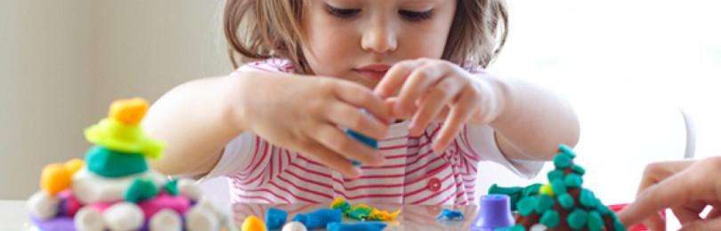 Как развивать мелкую моторику рук у ребенка
