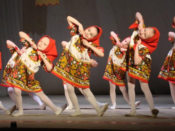 когда фото с русскими народными танцами хоккейные